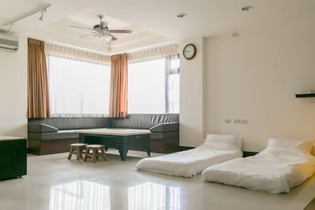 位於3樓的超大海景房 在房間內就可看海 賞日出 - Casa