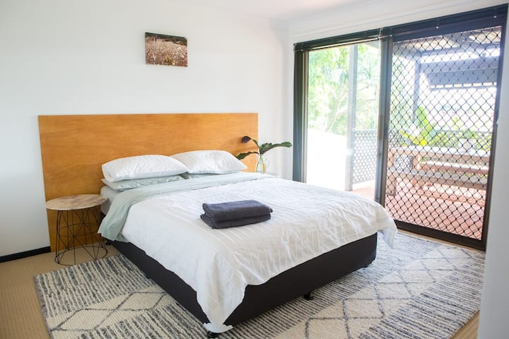 Light-filled & spacious apartment in Currumbin!