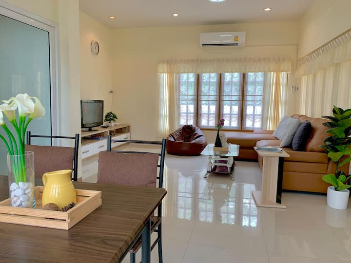 Entire House 3BR 5min to beach