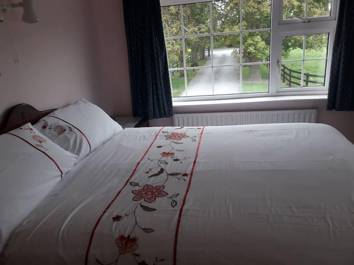 Double room with ensuite in Ashdale Farm House