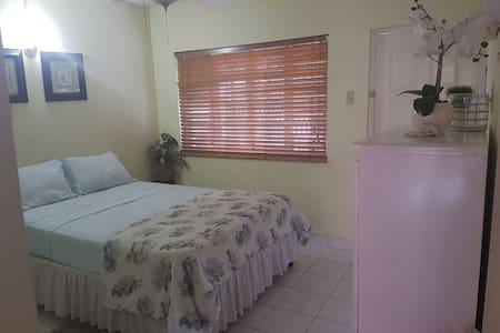 Kingslyn Manor ,Safe apartment complex