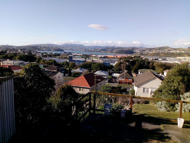 Porirua Reserve Retreat with beautiful view