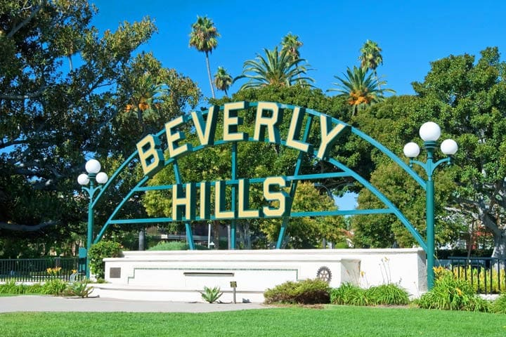 AMAZING NEW LUXE IN BEVERLY HILLS WITH PATIO!!