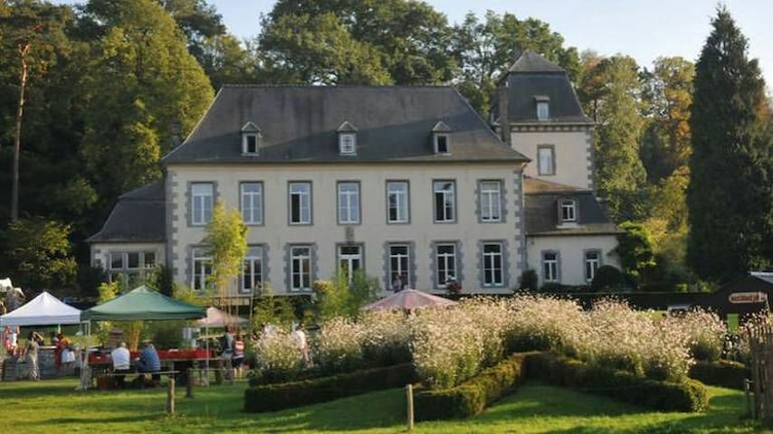 belle chambre tres confortable - Lasne - Bed & Breakfast