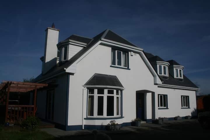Beautiful Spacious House Galway