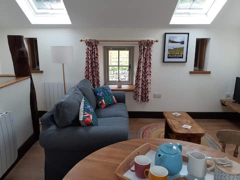 The Byre - cottage in converted  barn nr Ullswater
