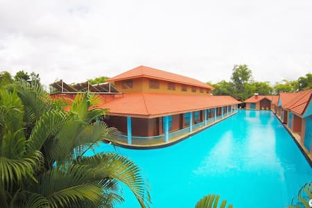 SAJ EARTH RESORT (5*) - Cochin - Angamaly - Bed & Breakfast