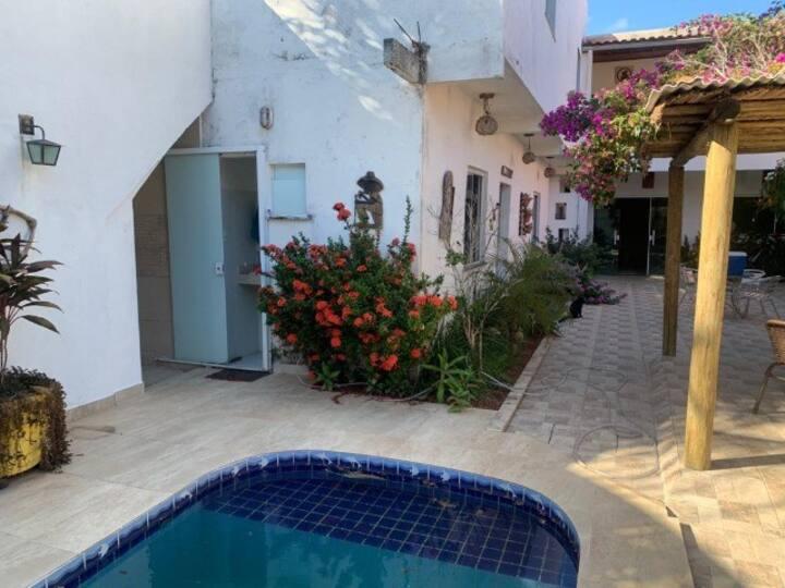Casa inteira Arembepe com piscina ,wifi.