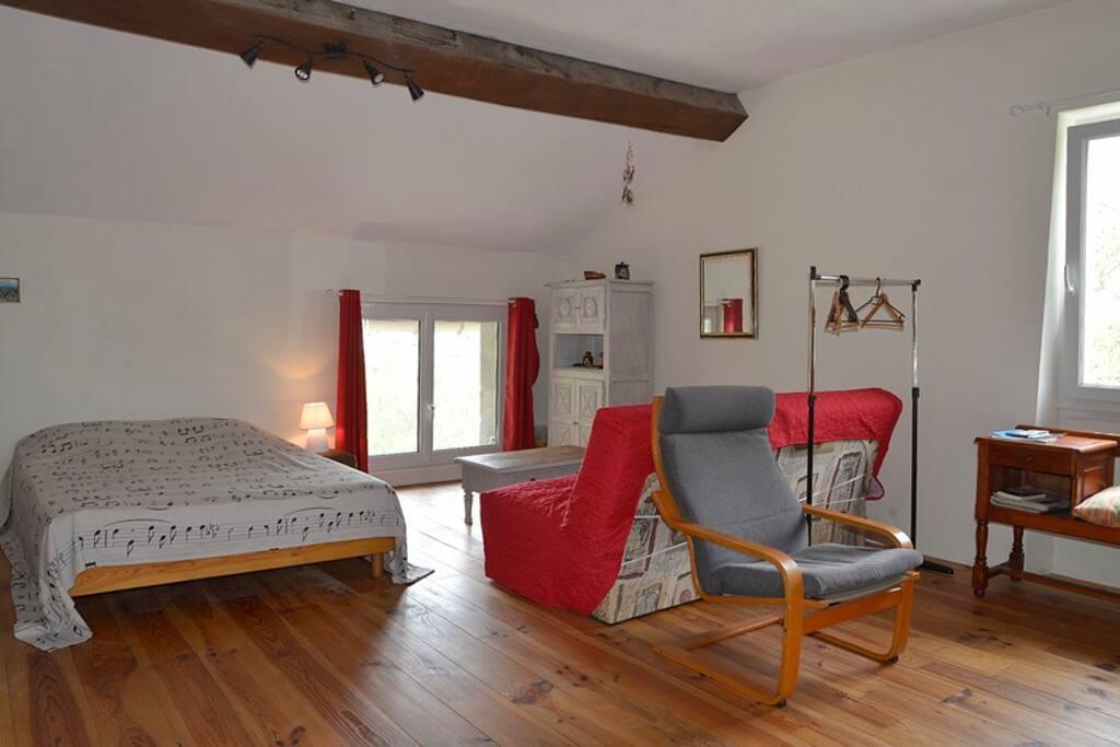chambre la valentr pour marcheurs groupes chambres d 39 h tes louer cahors occitanie. Black Bedroom Furniture Sets. Home Design Ideas
