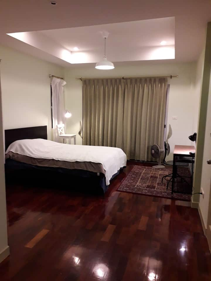 Salaya room available in house near Mahidol Uni