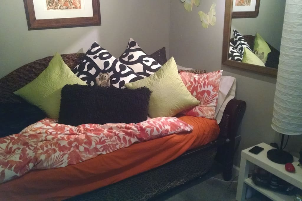 Bedroom with trundle