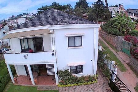 Villa Standing Ambatoroka - Antananarivo