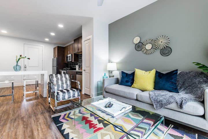Trinity Groves|Corporate|1Bed|Pool View