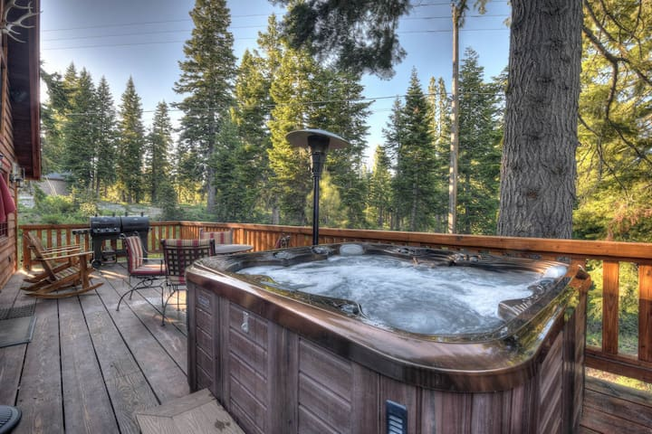 Twin Peaks Dream: Jet down in the hot tub