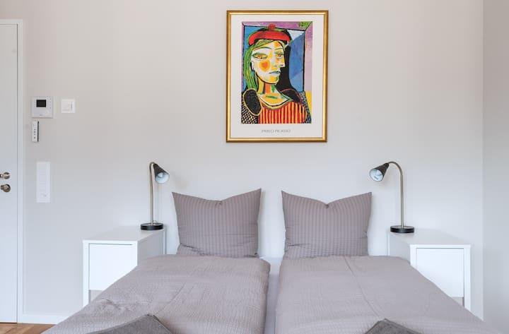 Studio Apartment Picasso III