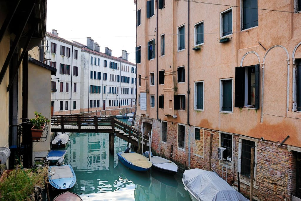 marco polo canal view wifi free apartments for rent in venice veneto italy. Black Bedroom Furniture Sets. Home Design Ideas
