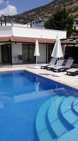 Luxury 4 bedroom Villa overlooking Kalkan Bay