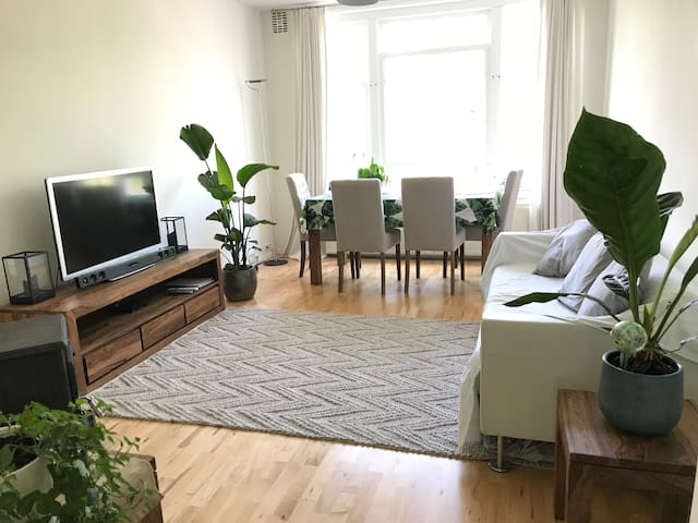 Canal view apartment | City centre | Balcony