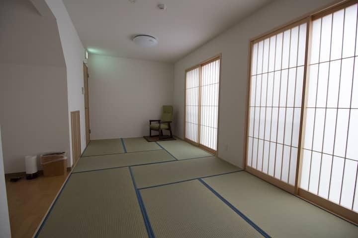 Newly built inn 15 minutes from Arashiyama.