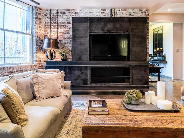 Claremont House - Stylish Living In The Rocks