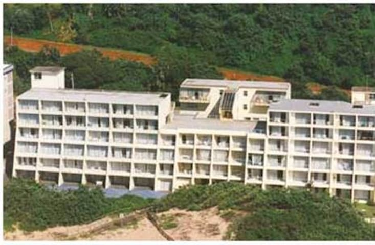 Beach Front Accomodation, with lovely ocean view - Amanzimtoti