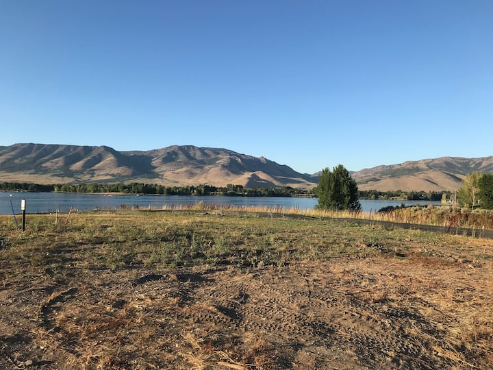 Pineview Reservoir Separate Luxury Bed and Bath