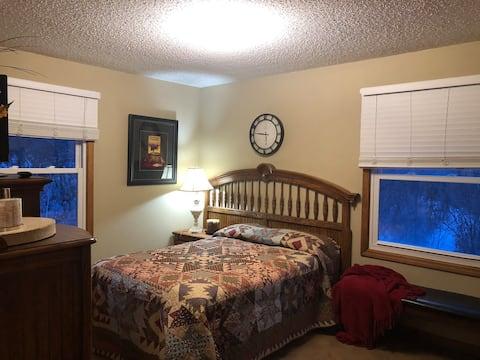 Cozy Colorado Bedroom & Bath