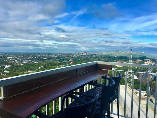 Mayor J Tagaytay Staycation In the sky