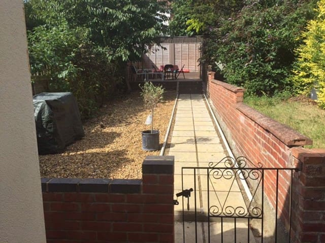 Spacious double room, close to the city centre