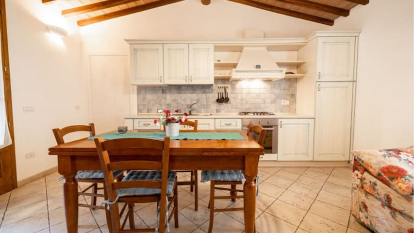 Two-room apt Borgo Patresi 2 in Marciana, Elba