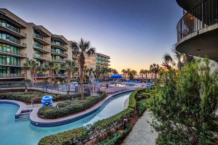 2BR Luxury Condo at Phoenix on the Bay
