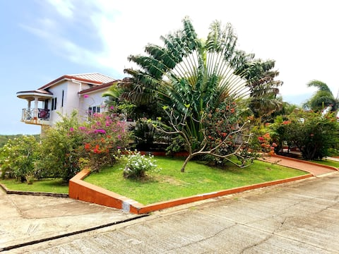 Two Bedroom Villa with a lovely Oceanside view