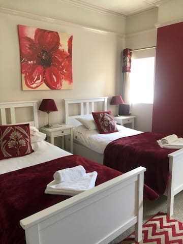Twin room-Ensuite-Room Only