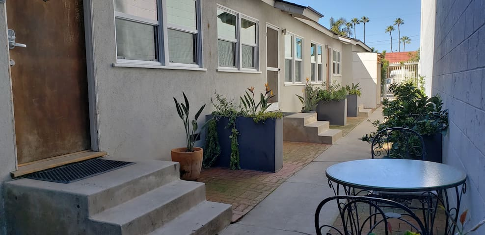 Colorful 1 BR w/ Backyard Patio & Grill