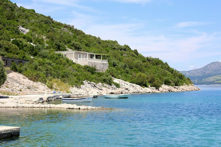 Studio flat near beach Kabli, Pelješac (AS-10221-a)