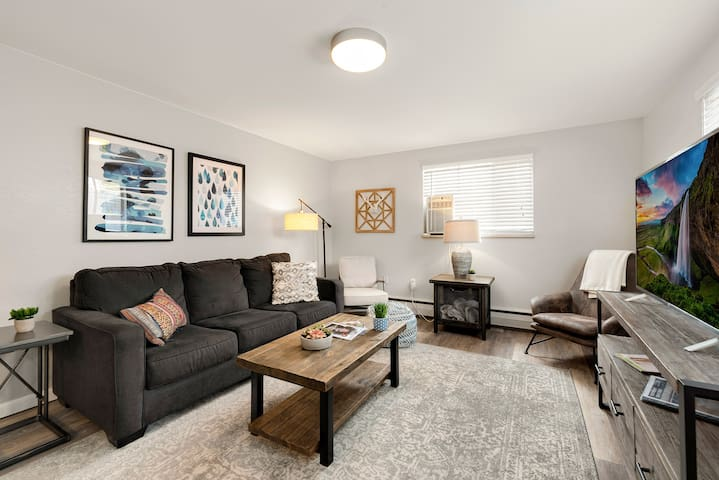 Stunning condo in the heart of Old Town