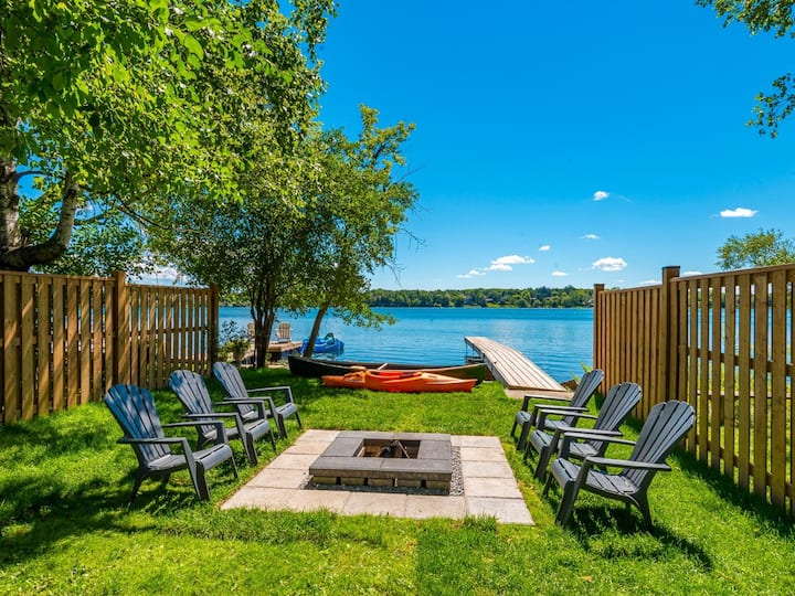 Lakefront Oasis in the Heart of Richmond Hill