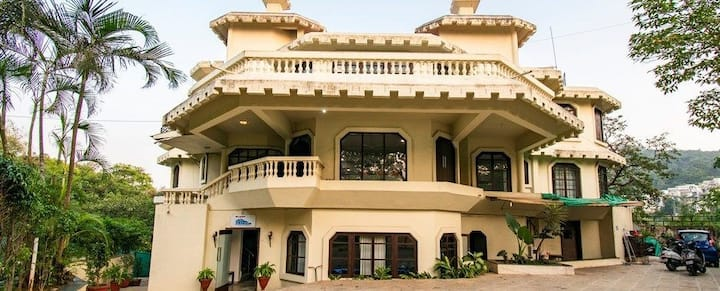 8 bhk Hilltop Villa With Private Pool