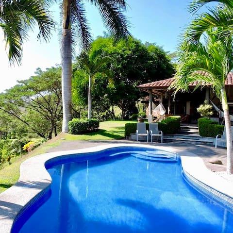 Casa Valle Escondido-Private Estate by Los Sueños!