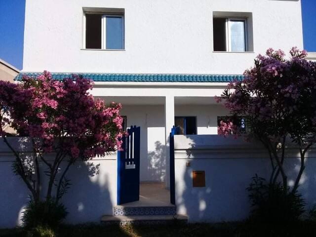 Maison de vacances au bord de la mer à el haoueria