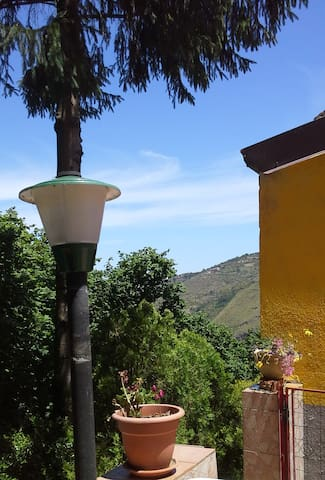 Il rifugio del Cavaliere country house - Longi - Cabana