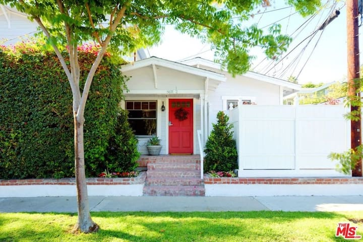 Contemporary Private West Hollywood Bungalow