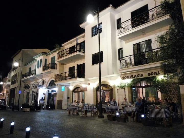 Agiou Lazarou Street Room