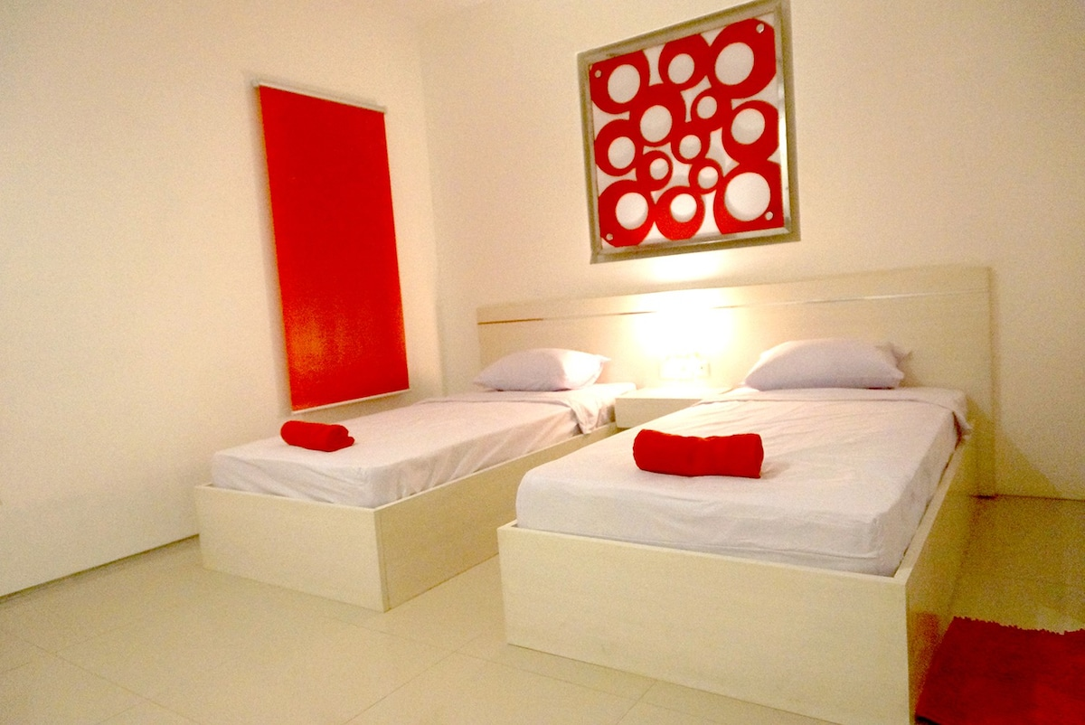 Simona Hotel Twin Bed Room For Maks 8 Persons   Bed And Breakfasts For Rent  In Kuta, Bali, Indonesia