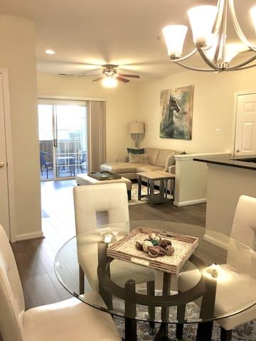 Modern Executive 2 Bedroom Apartment In Fairfax
