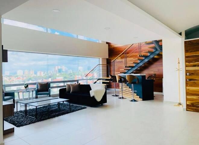 Habitación en hermoso dpto en Palmas Hills.