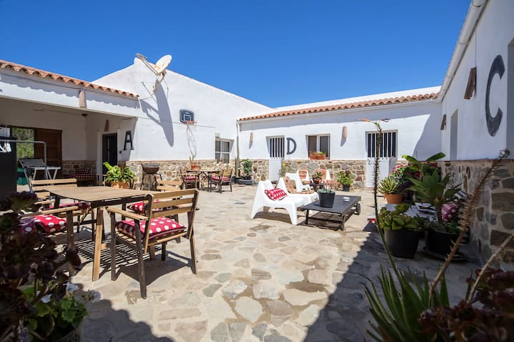 A cool studio in Casa Rual 5 min from beach/ town
