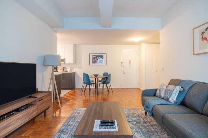 Beautiful Furnished 1BR in Midtown + Gym