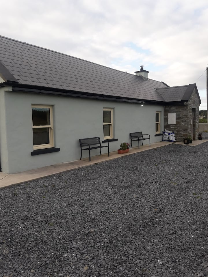 Liam's Cottage between Lisdoonvarna & Doolin