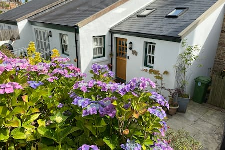 The Annexe Cottage and pet friendly. Self catering